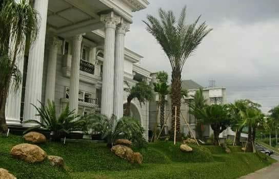 Tukang-Taman-Banten